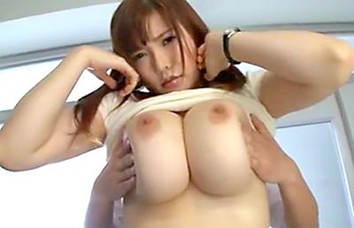 沖田杏梨-ブラウスの胸元から見える谷間で生徒を誘惑する優しい痴女先生!1m超のおっぱいに生徒は爆発寸前
